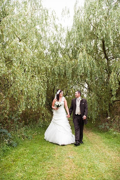 calderfields-wedding-072-recommended-walsall-wedding-photographer