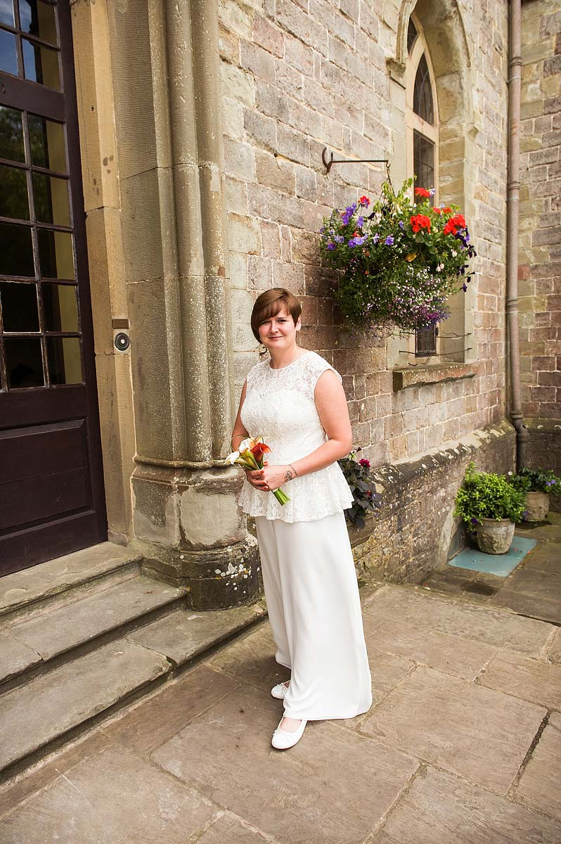clearwell-castle-wedding-photographers-006