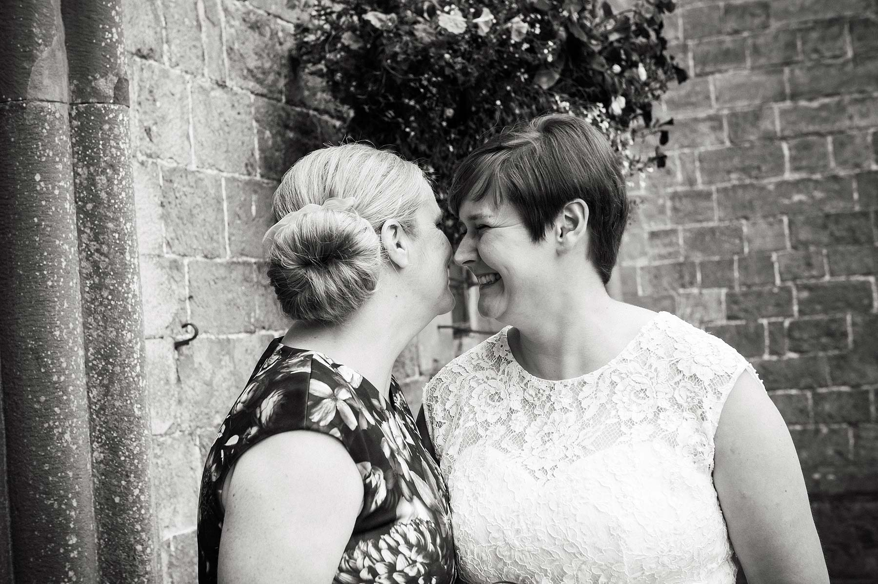 clearwell-castle-wedding-photographers-010