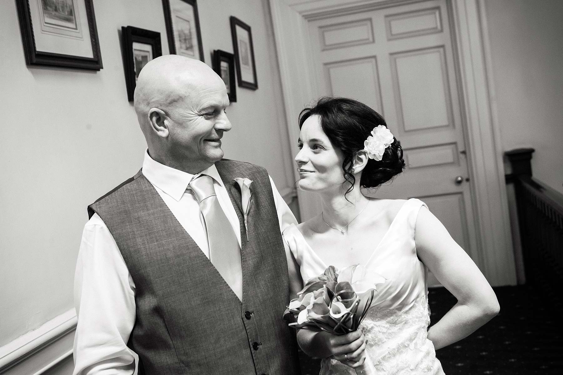 clearwell-castle-wedding-photographers-012