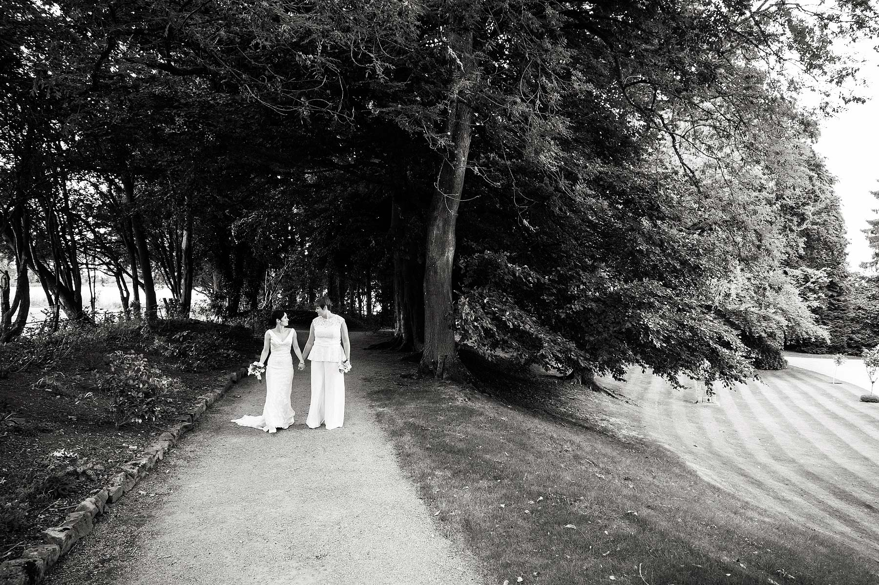 clearwell-castle-wedding-photographers-033