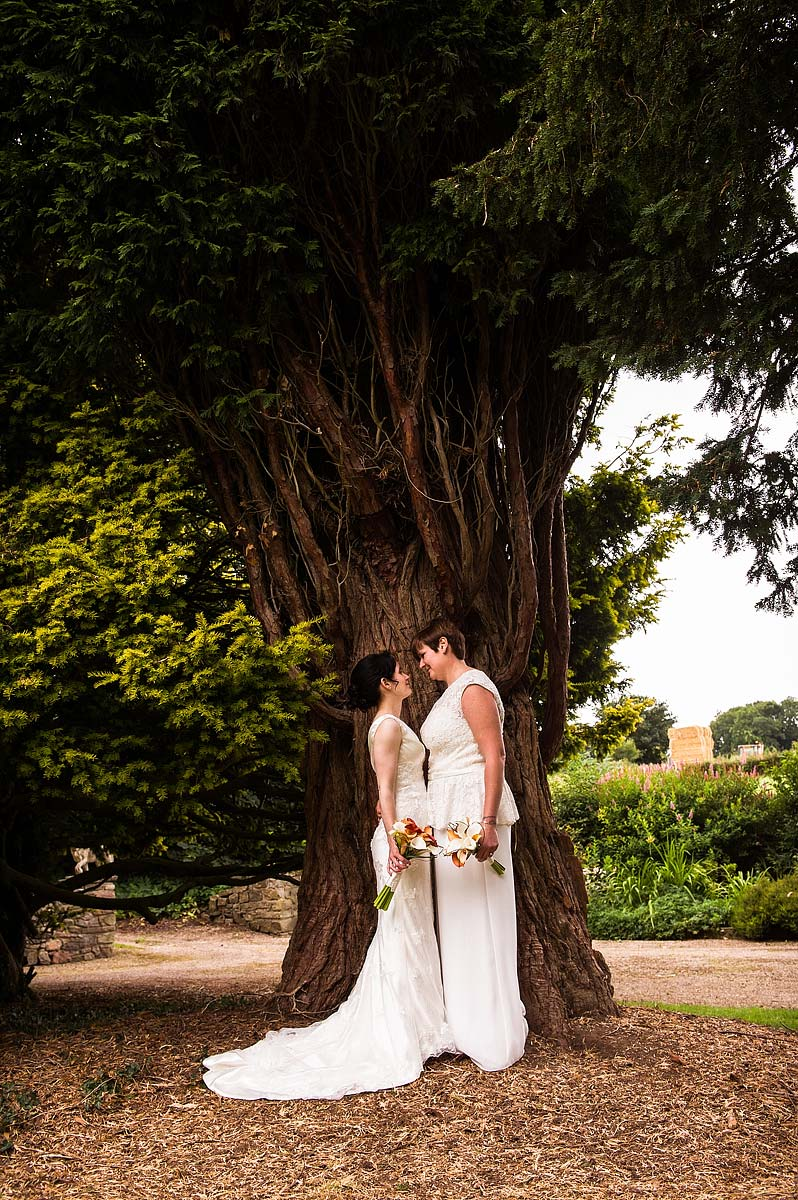 clearwell-castle-wedding-photographers-036