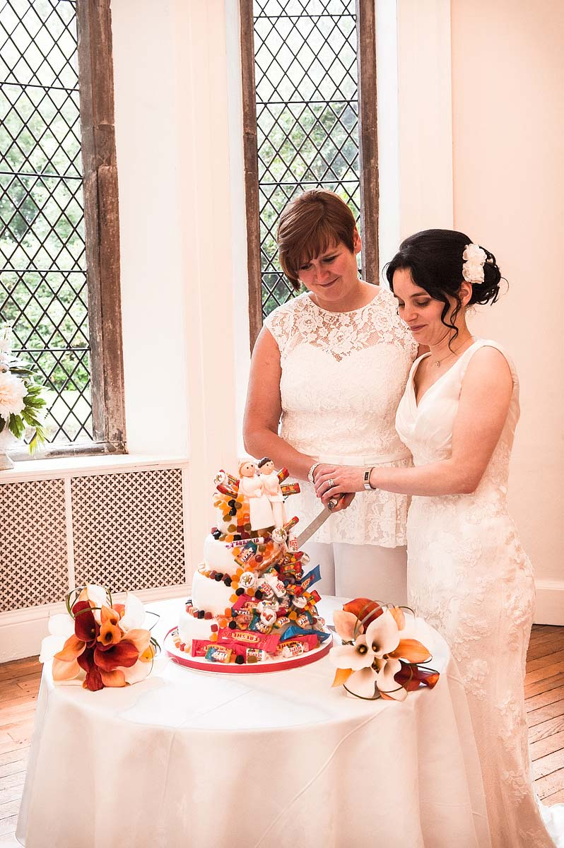 clearwell-castle-wedding-photographers-044