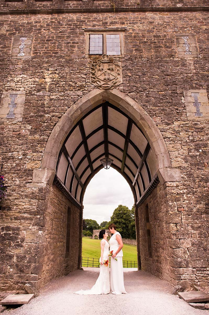clearwell-castle-wedding-photographers-054