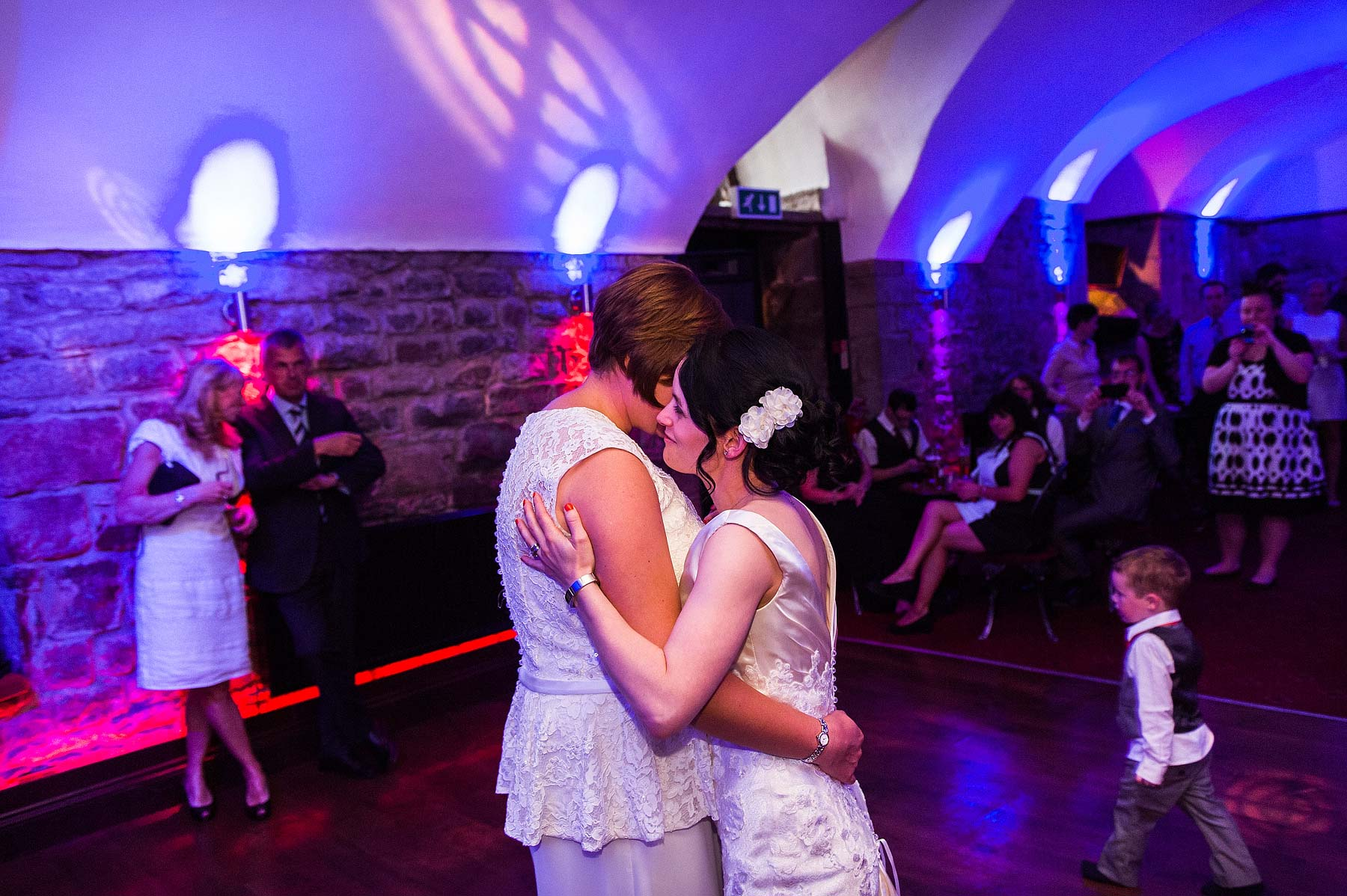 clearwell-castle-wedding-photographers-060