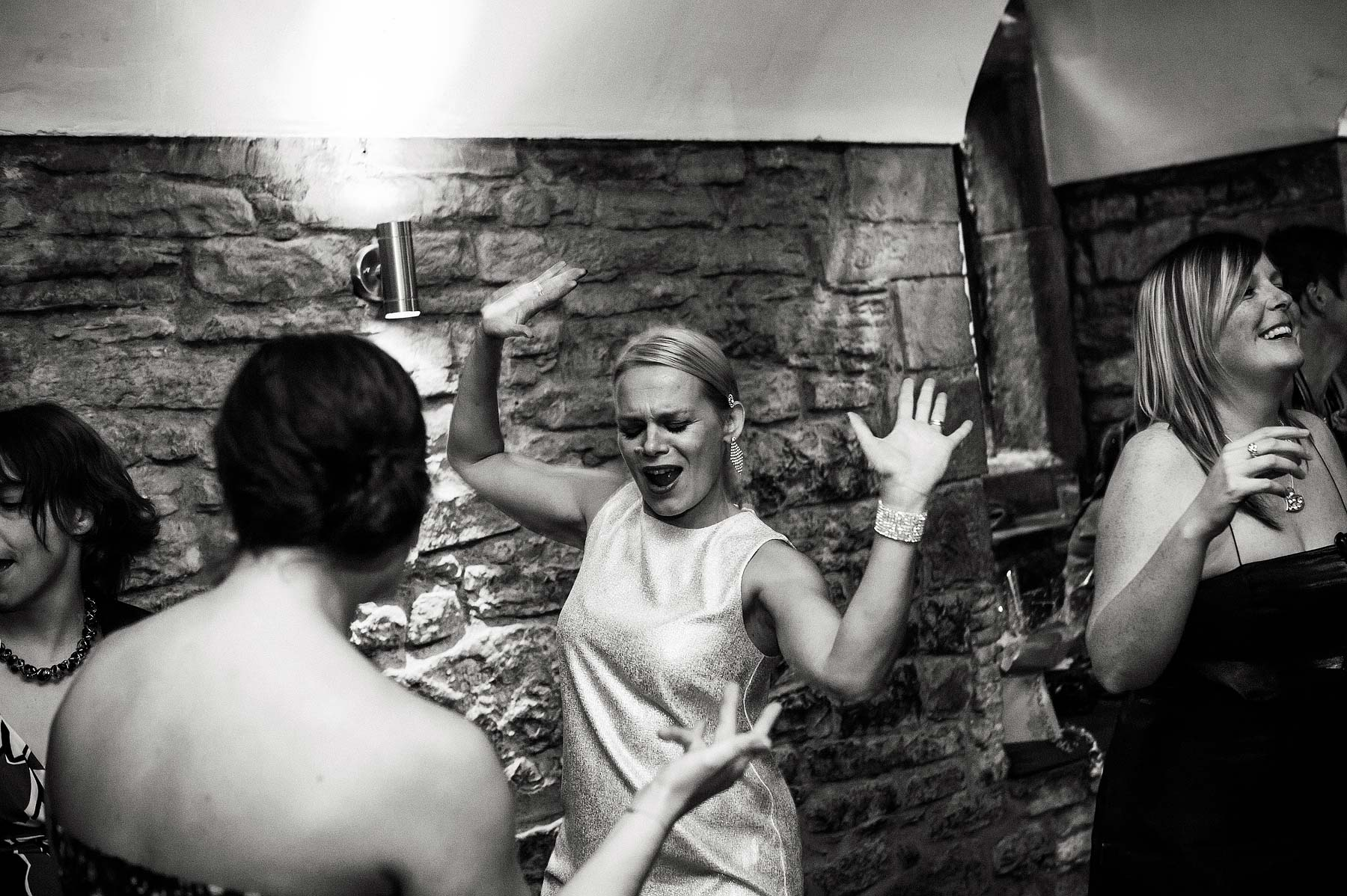 clearwell-castle-wedding-photographers-068