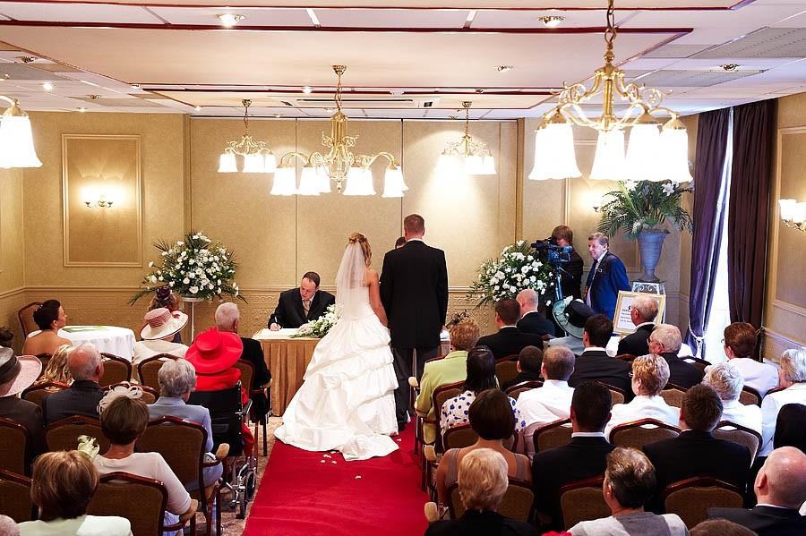 fairlawns-wedding-photographs-061-walsall-wedding-photographer