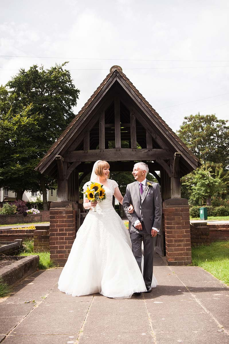 st-michaels-pelsall-moor-hall-sutton-coldfield-wedding-photographers-023
