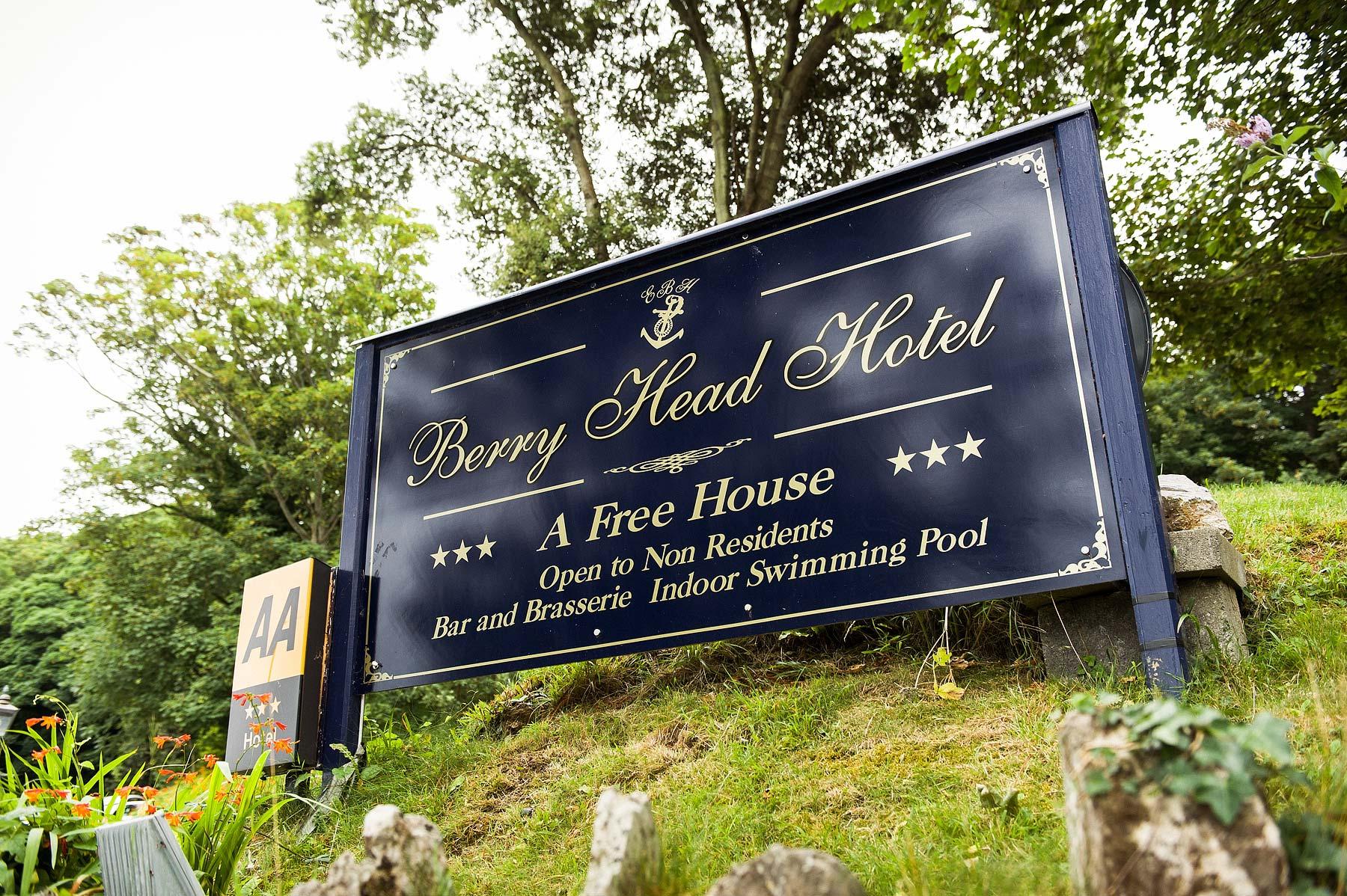 berry-head-hotel-brixham-wedding-photographer-002