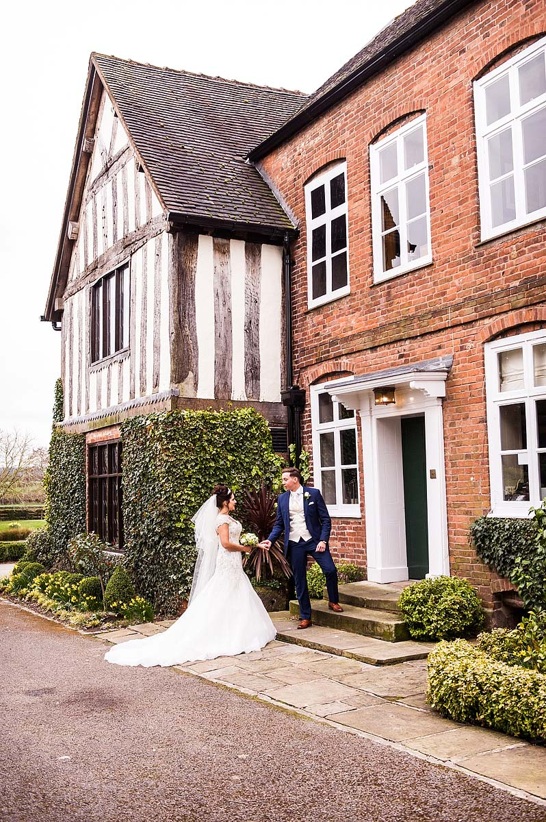 spring-wedding-photographs-moat-house-039