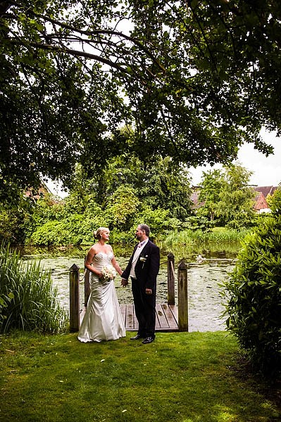 moat-house-acton-trussell-wedding-photographs016-recommended-wedding-photographers