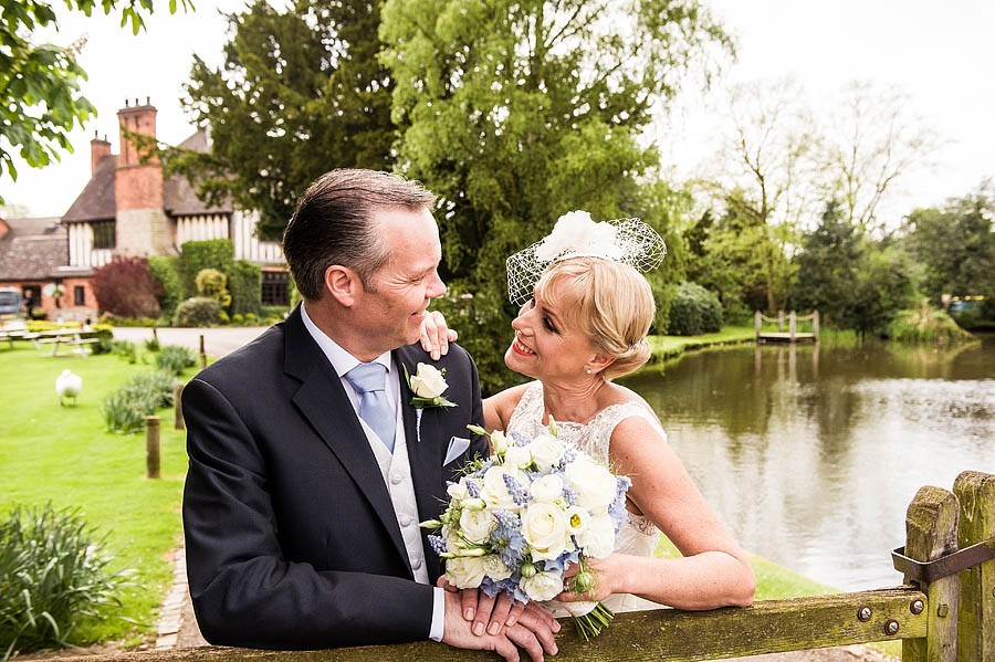 moat-house-acton-trussell-wedding-photographs021-recommended-wedding-photographers