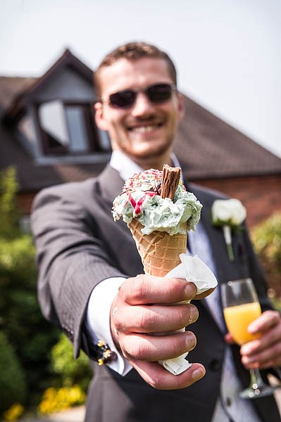 moat-house-acton-trussell-wedding-photographs044-recommended-wedding-photographers