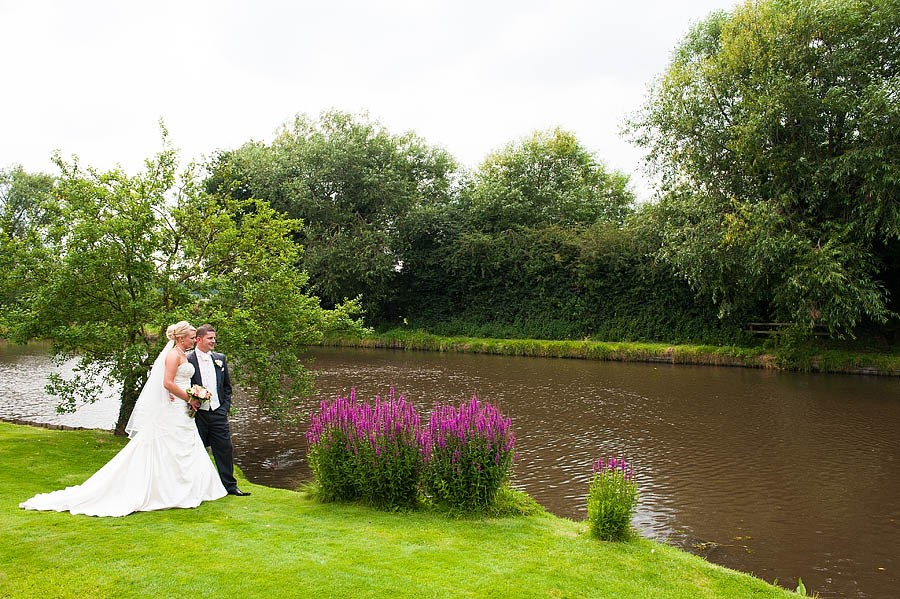 moat-house-acton-trussell-wedding-photographs092-recommended-wedding-photographers