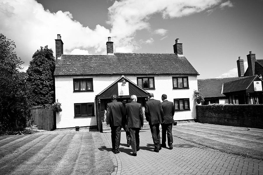 oak-farm-cannock-025-contemporary-wedding-photographers