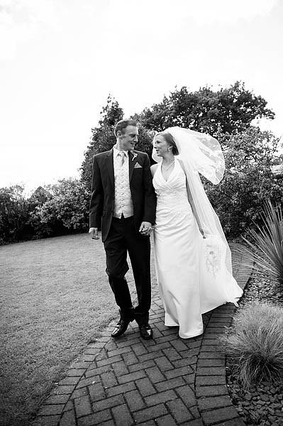 oak-farm-cannock-029-contemporary-wedding-photographers