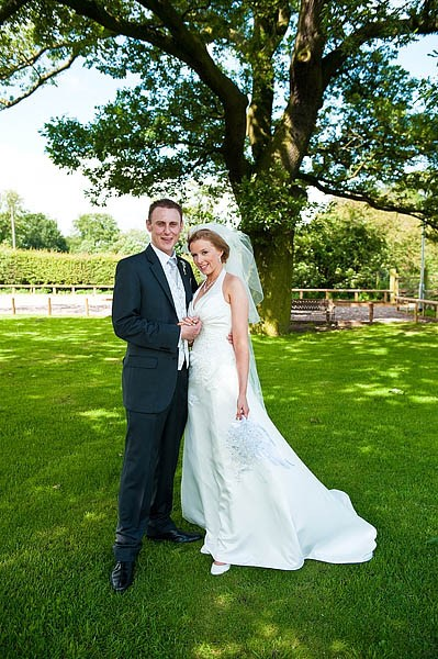 oak-farm-cannock-032-contemporary-wedding-photographers