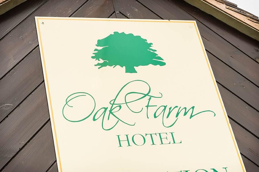 oak-farm-cannock-035-contemporary-wedding-photographers