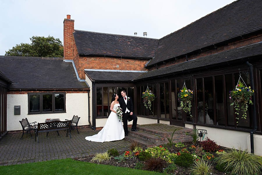 oak-farm-cannock-050-contemporary-wedding-photographers