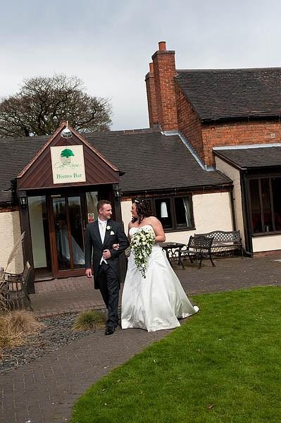 oak-farm-cannock-051-contemporary-wedding-photographers