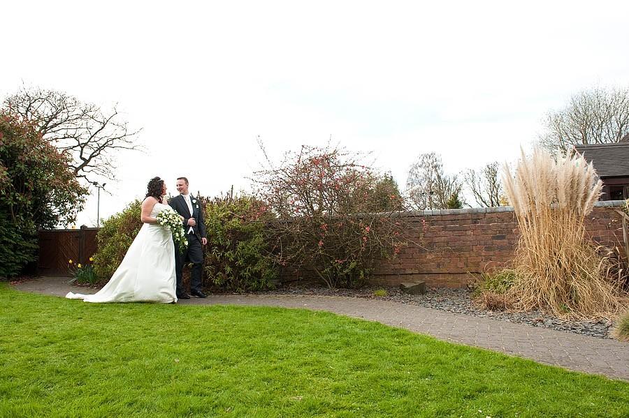 oak-farm-cannock-052-contemporary-wedding-photographers