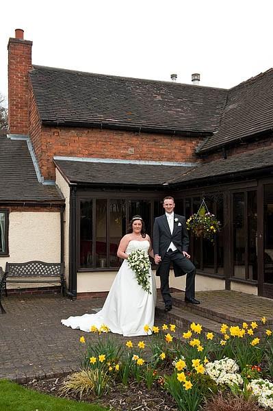 oak-farm-cannock-053-contemporary-wedding-photographers