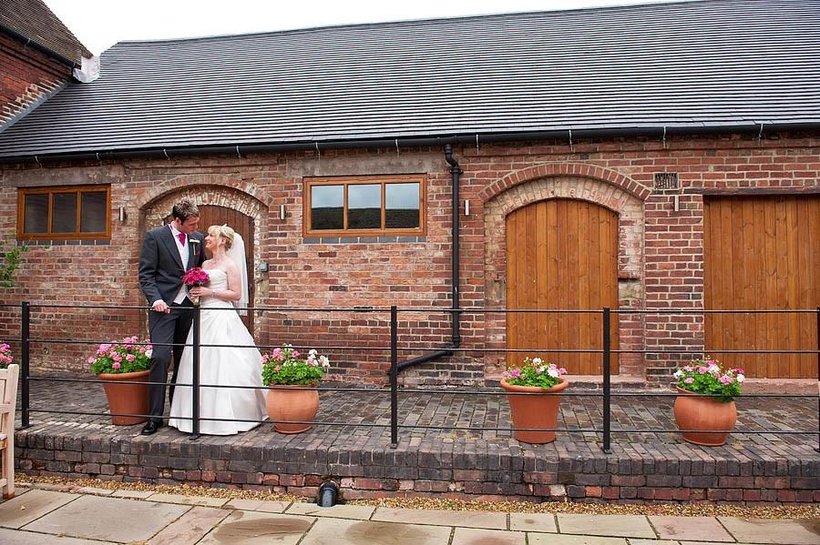 packington-moor-012-lichfield-wedding-photographers