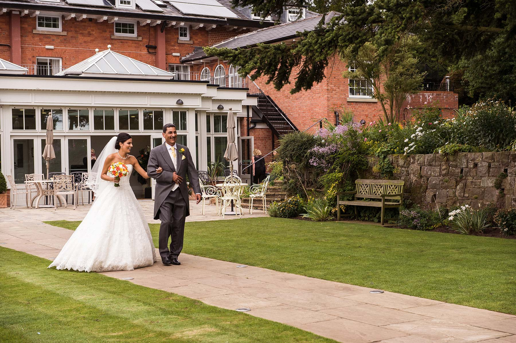 upper-house-barlaston-stone-wedding-photographers-031