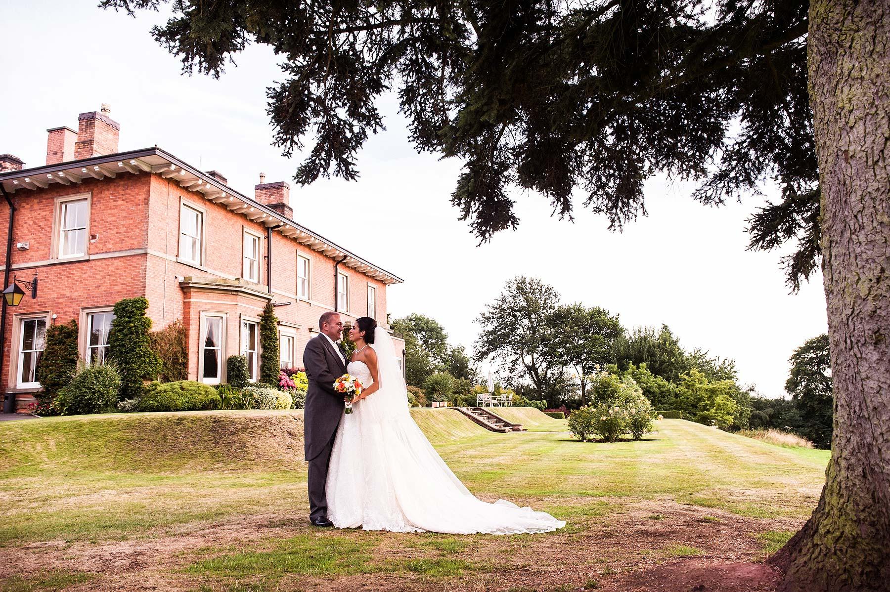 upper-house-barlaston-stone-wedding-photographers-047