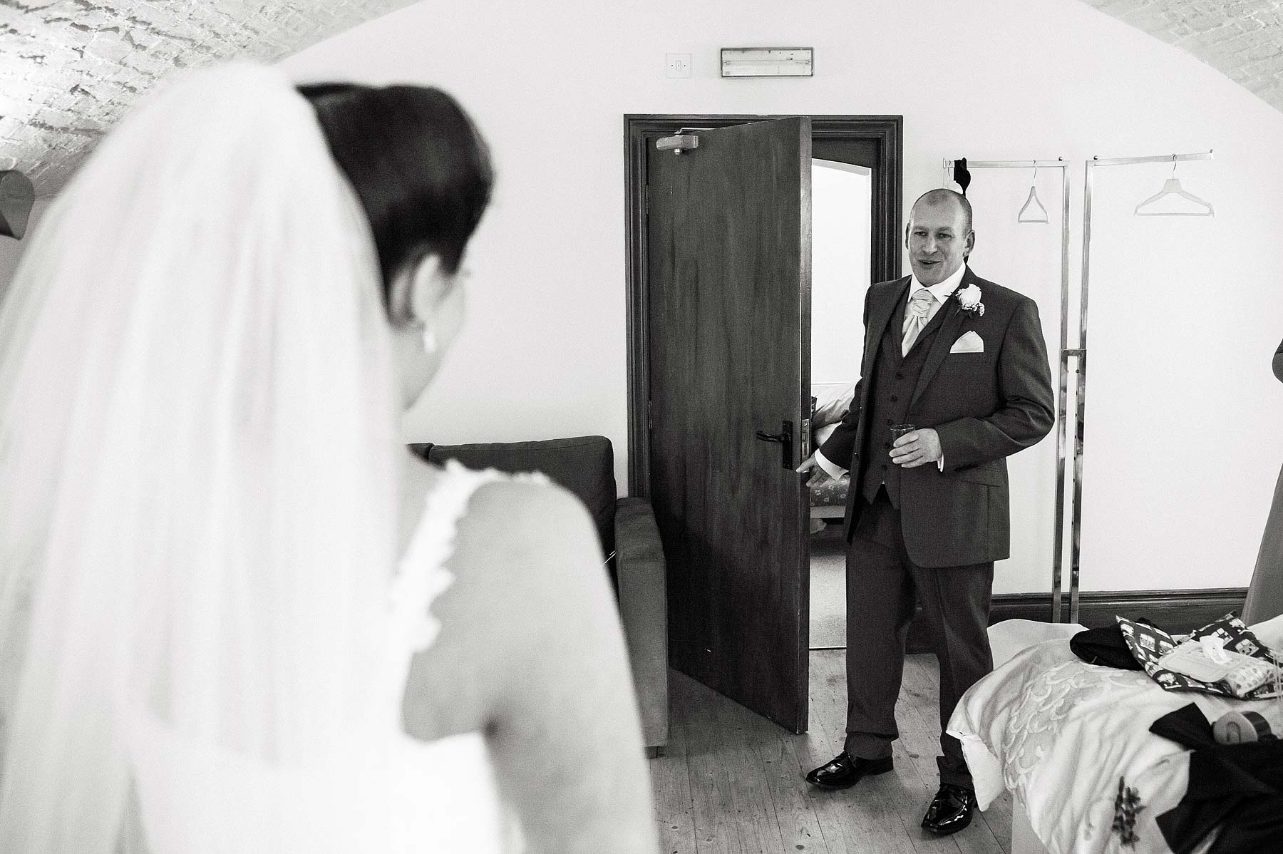 hawkesyard-estate-wedding-photographers-rugeley-015