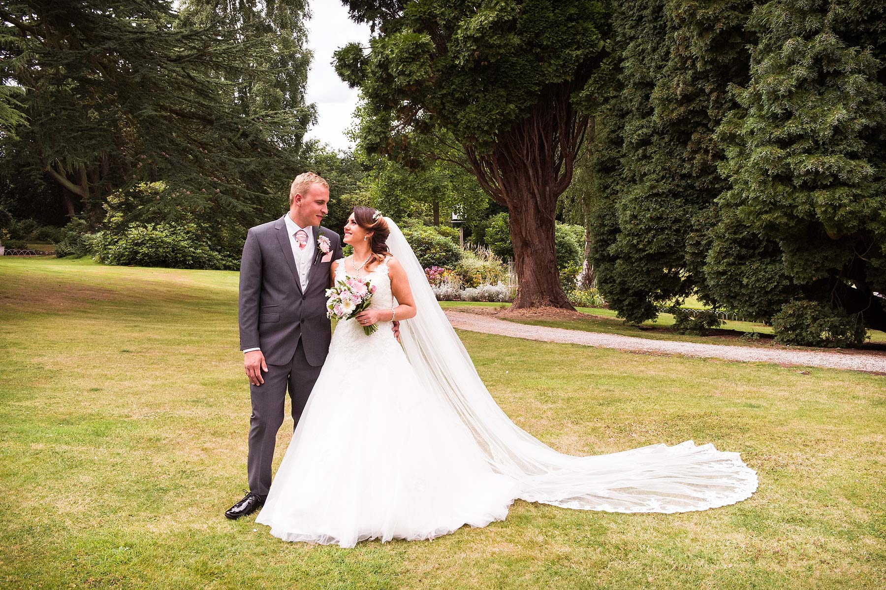 hawkesyard-estate-wedding-photographers-rugeley-050