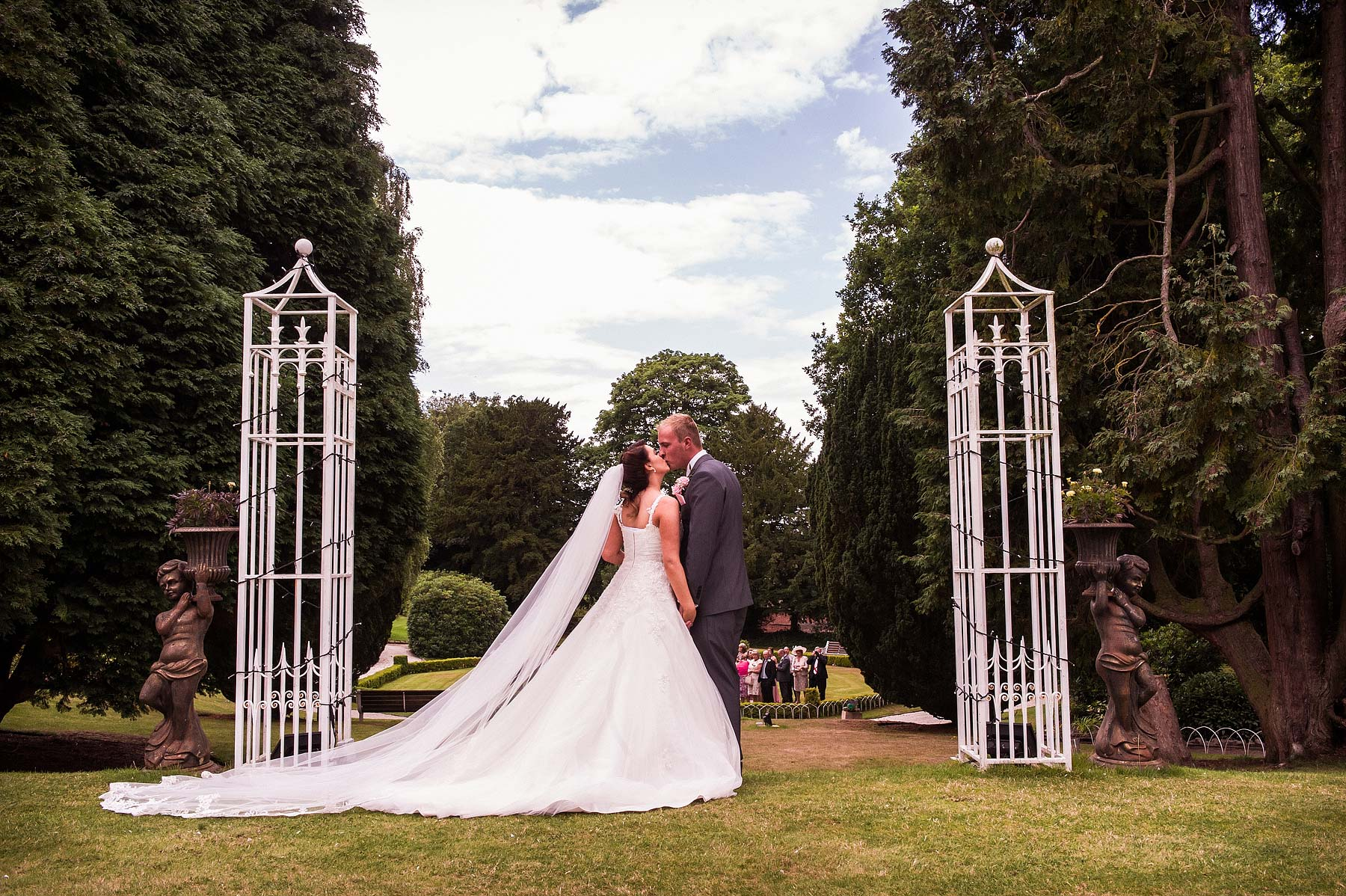 hawkesyard-estate-wedding-photographers-rugeley-053