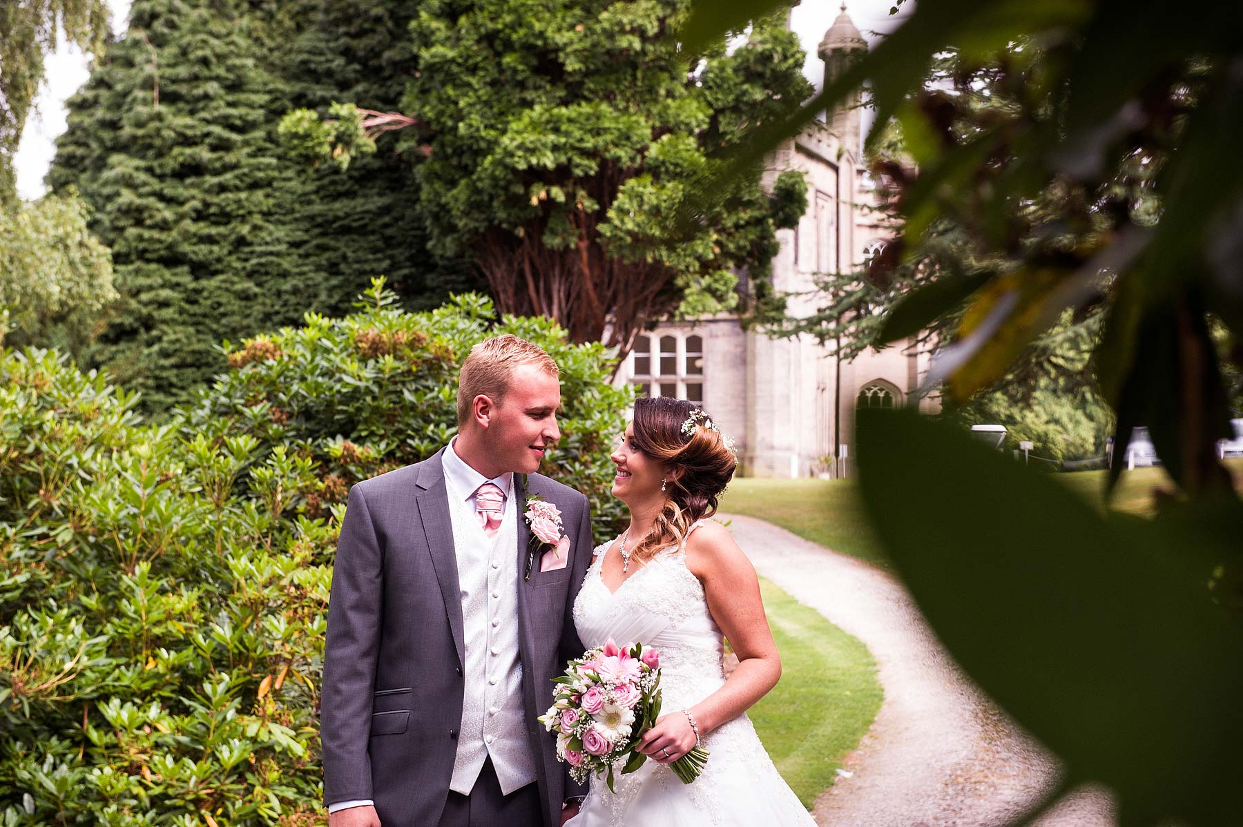 hawkesyard-estate-wedding-photographers-rugeley-067