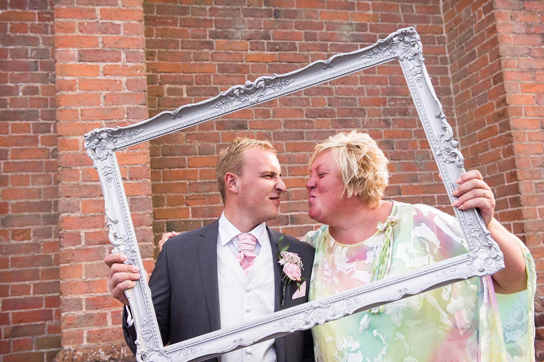 hawkesyard-estate-wedding-photographers-rugeley-101