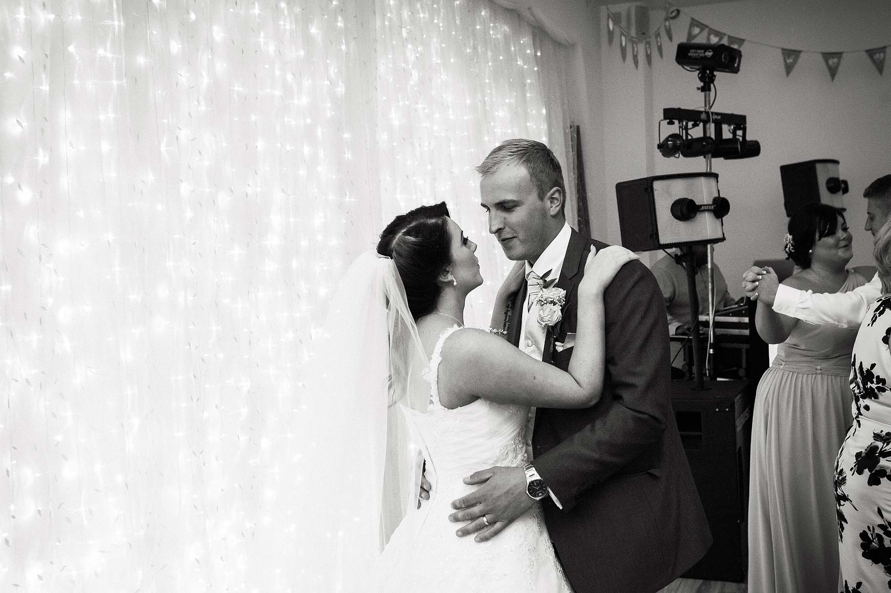 hawkesyard-estate-wedding-photographers-rugeley-112