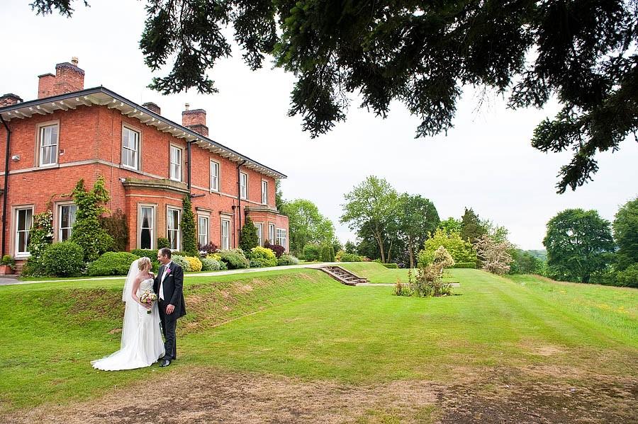 upperhouse-barlaston-wedding-photographs-014-contemporary-wedding-photographers