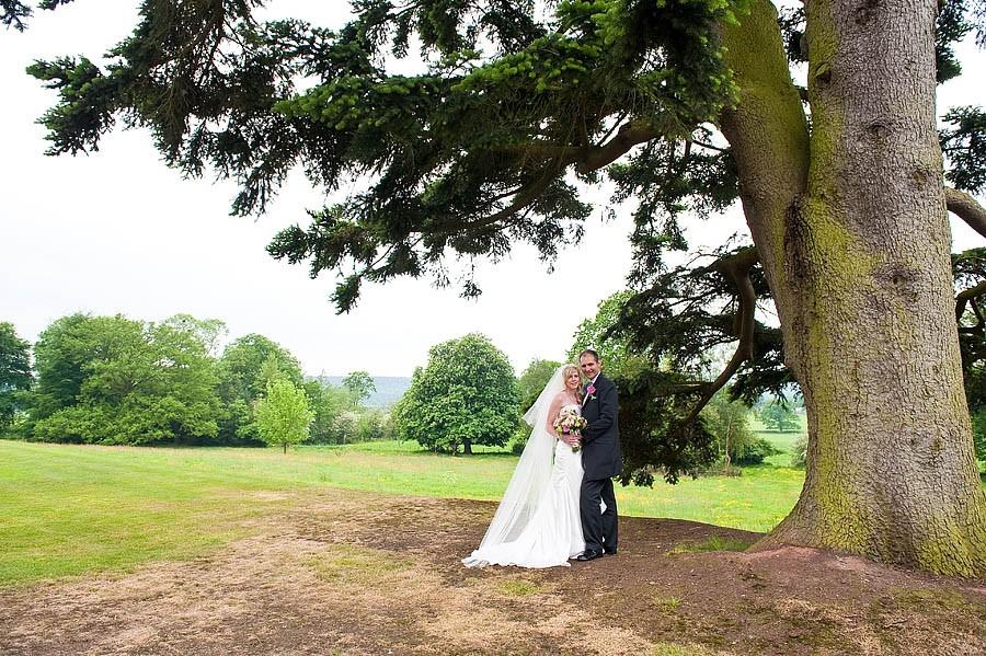 upperhouse-barlaston-wedding-photographs-016-contemporary-wedding-photographers