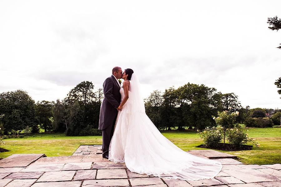 upperhouse-barlaston-wedding-photographs-031-contemporary-wedding-photographers