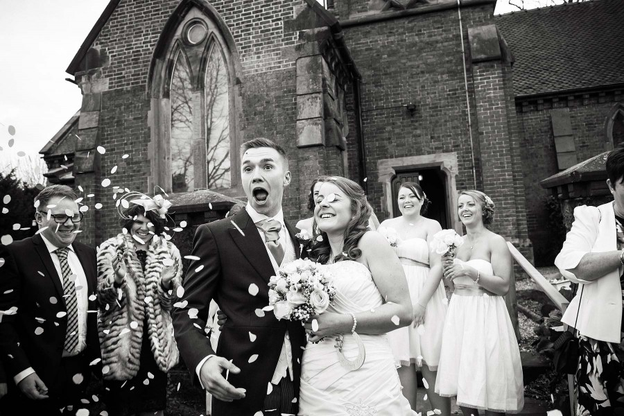 013-confetti-fun-staffordshire-wedding-photographers