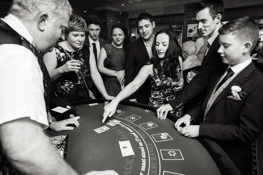 027-evening-wedding-photographs-casino