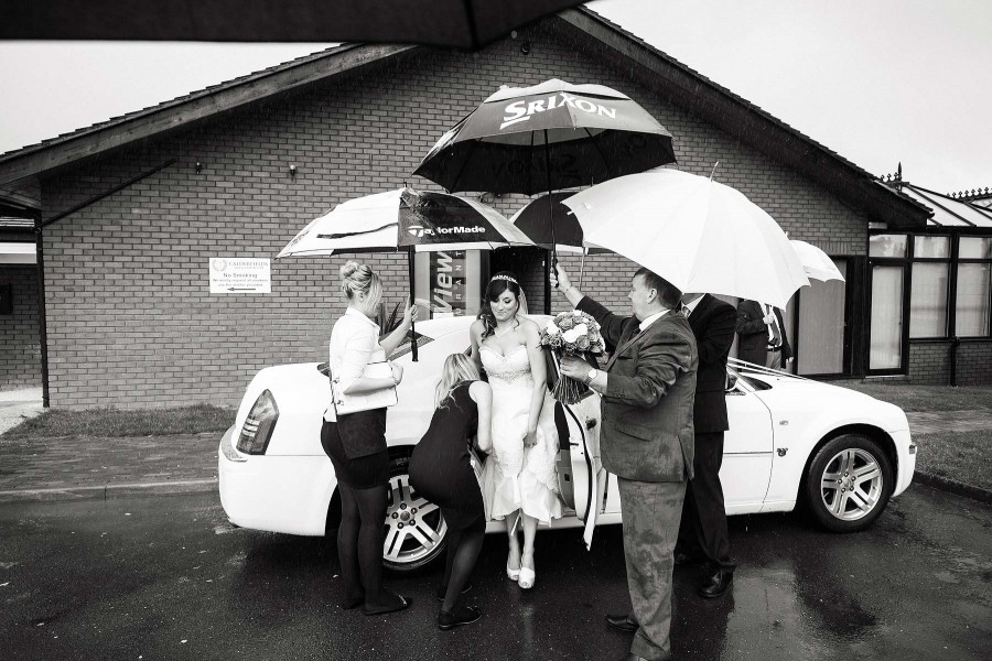 036-wet-weather-wedding-photography-calderfields-walsall