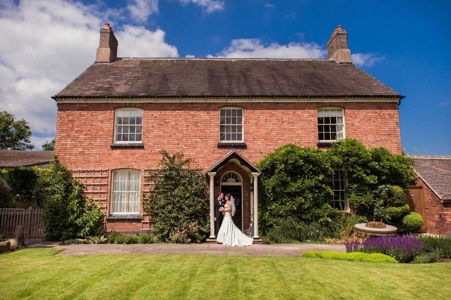 056-beautiful-contemporary-wedding-photographers-atherstone