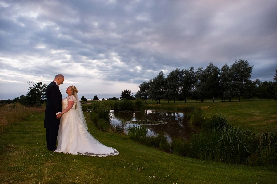 072-chase-golfclub-wedding-photographers