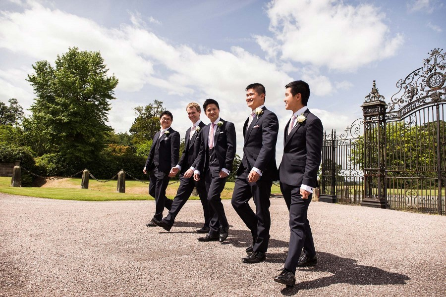 084-natural-groomsmen-portraits