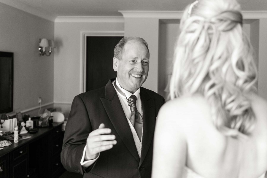 087-capturing-moment-father-bride-candid-weddings