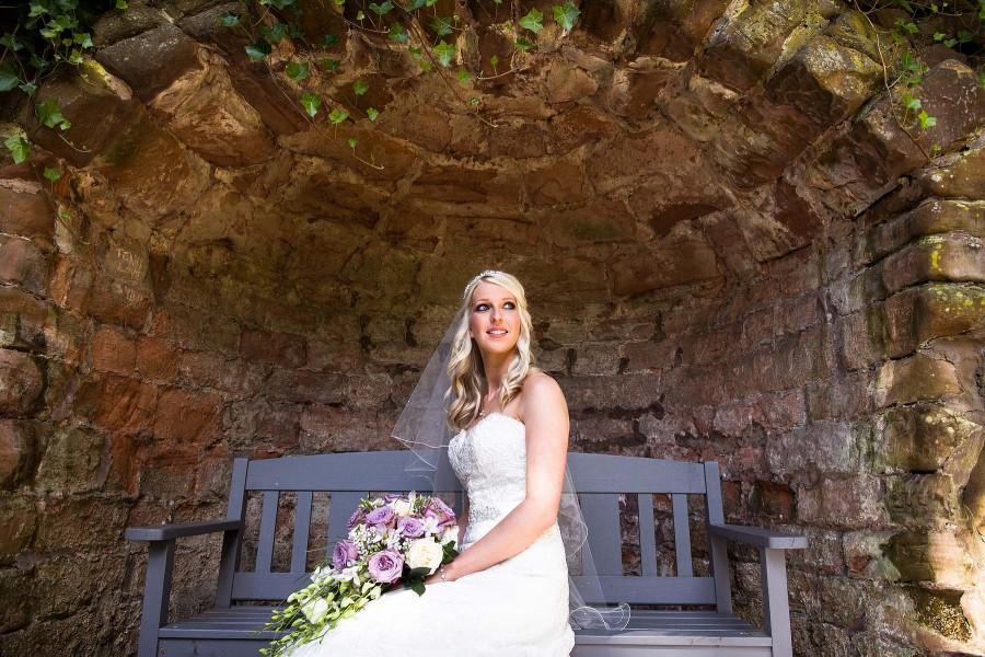 098-beauitful-portraits-bride-sunken-gardens-staffordshire