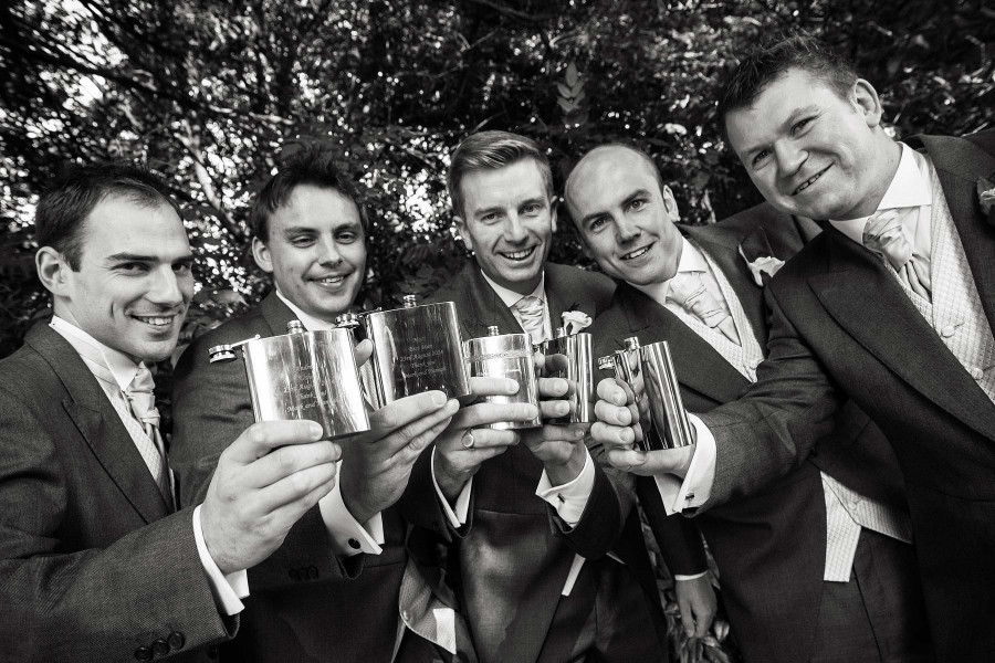 109-groomsmen-fun-wedding-stories