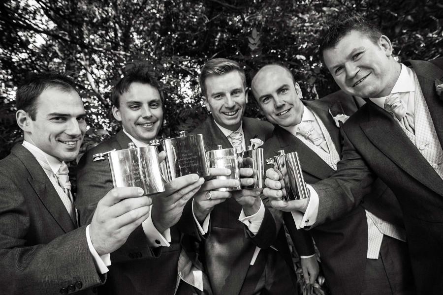 109-groomsmen-fun-wedding-stories