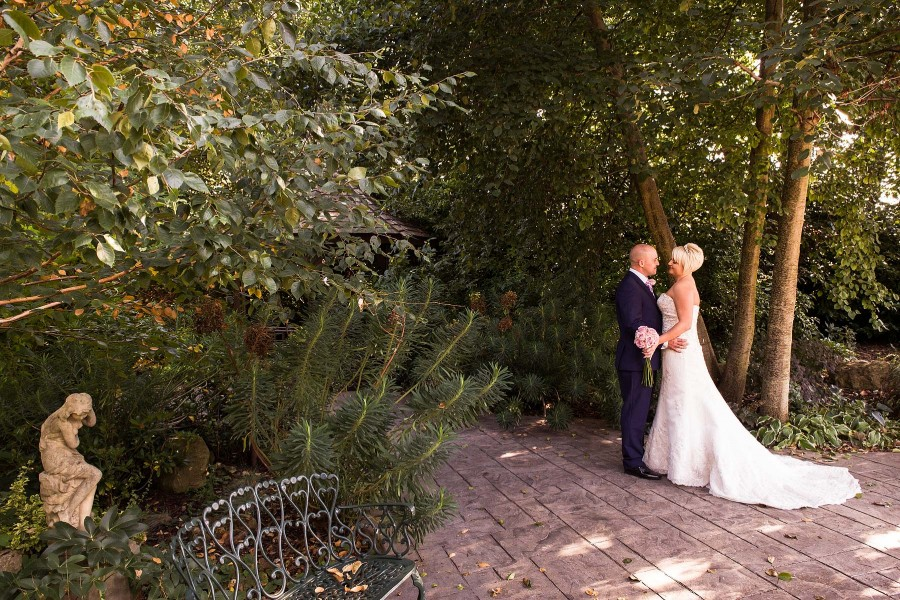 157-fairlawns-walsall-creative-wedding-photographers