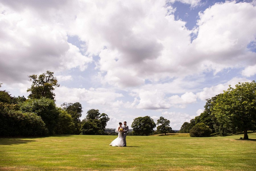 159-beautiful-countryside-wedding-photography